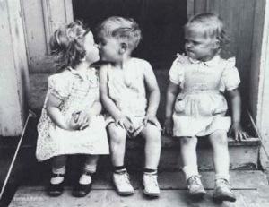 ¿Les hablaría de tríos?